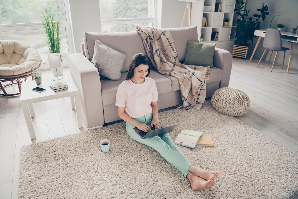 Hat der Teppich eine Reinigung nötig?
