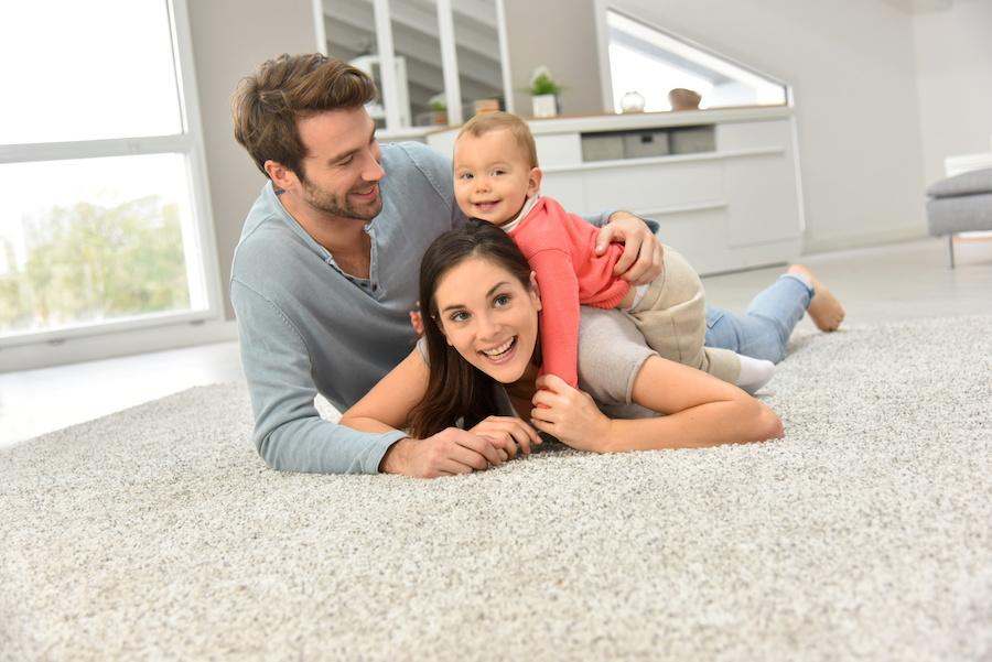 Sauberere Teppiche machen das Zuhause gemütlicher